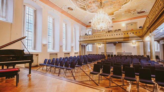 Schwaebisch_Hall_Hospitalkirche_FotoNicoKurth.jpg
