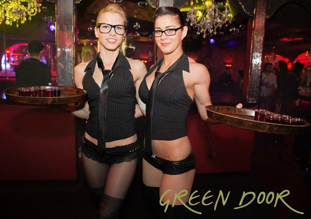 150321_Moritz_Black_Tie_Green_Door_001-2.JPG