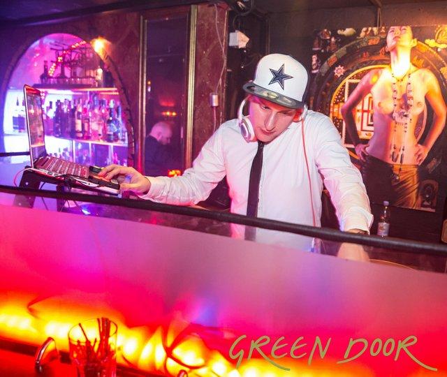 150322_Moritz_Black_Tie_Green_Door_001-29.JPG