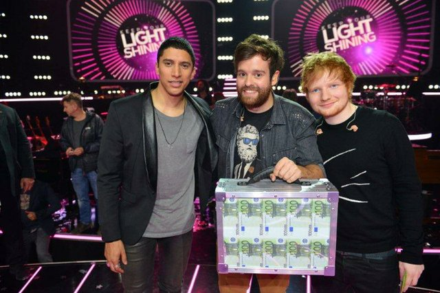 Fabian Bruck mit seinen größten Fans:  Ed Sheeran und Andreas Bourani