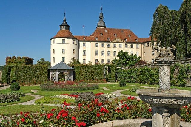 Barockgarten-vor-der-Ostfassade-Schloss-Langenburg-Fotograf-R.jpg