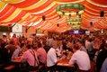 Beim Dinkelacker Familientag kann auf dem Frühlingsfest ausgelassen gefeiert und angestoßen werden.