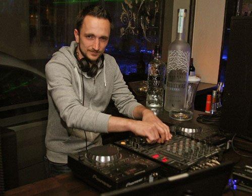 DJ Airplay.jpg