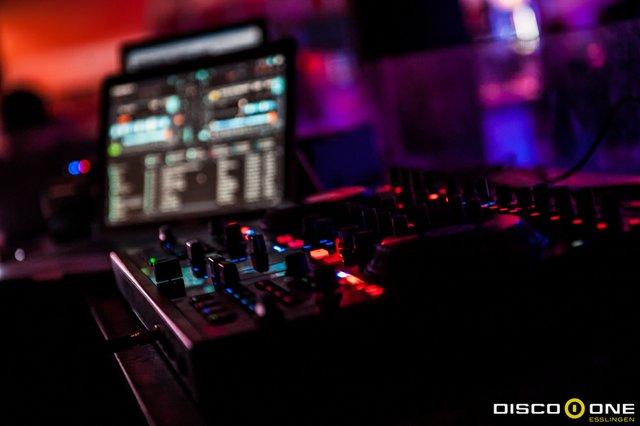 Moritz_Bass & Babes, Disco One Esslingen, 8.05.2015_-81.JPG