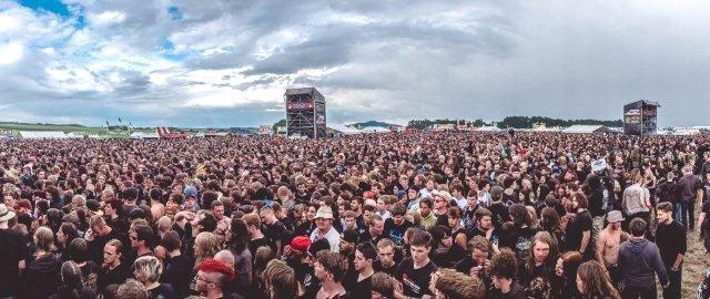 Summer Breeze Crowd-Tag 2.jpg