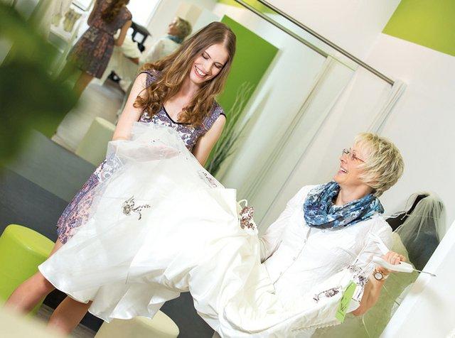 Herzwerk – wo Brautkleider Glückskleider sind - moritz.de ...